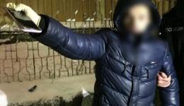 Київські правоохоронці оперативно затримали грабіжника з кримінальним минулим. 11.02.2018