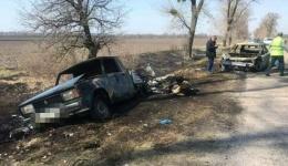 Дерзкое ограбление с пожаром: в Киевской области напали на авто, в котором перевозили пенсии. 10.04.2018