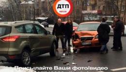 ДТП в Киеве на пересечении улиц М. Бойчука и Подвысоцкого. 11.02.2018