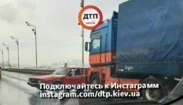 ДТП в Киеве на Южном мосту, в направлении правого берега. 11.12.2017