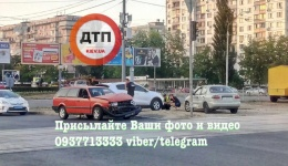 ДТП в Киеве на Оболони: столкновение трех автомобилей. ФОТО