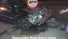 ДТП в Киеве на Гринченко / Кировоградская: Ауди протаранил Рено. ФОТО