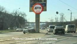 Самоуничтожение? ДТП в Киеве на ул. Автозаводская, 7. 10.04.2018