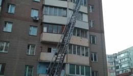 Під час ліквідації пожежі в багатоповерховому будинку столичні вогнеборці врятували 7 осіб. 08.04.2018