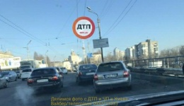 ДТП в Киеве на Шулявском мосту, в направлении м. Петровка. 06.02.2018